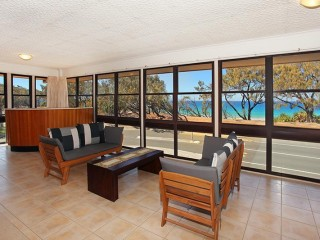 View profile: 4 bedroom home by the beach, best water views in Buddina
