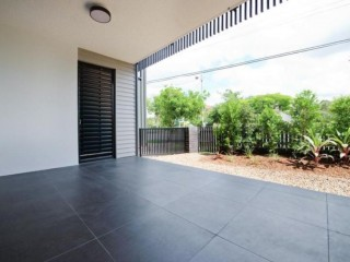 View profile: Amazing in Ashgrove!