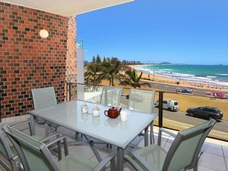 View profile: 2 bedroom unit directly opposite Alex's Beach! stay now and save $15 per night!!
